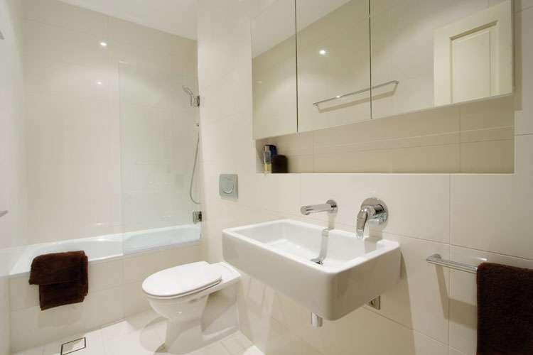 Bathroom renovations mc painting and renovations for Reno bathroom ideas